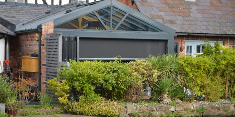 Large Automated Privacy Screens